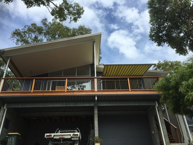 Markilux 990 Motorised Retractable Awning installed at Coal Point by East Coast Shade Design