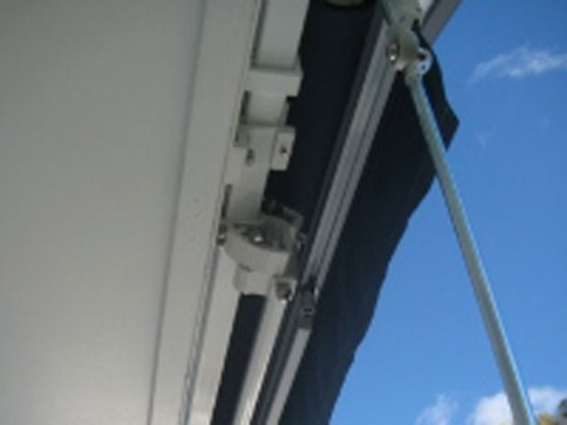 Folding Arm Retractable Awning