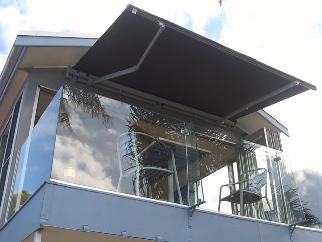 Retractable Awning - Balmoral - installed by East Coast Shade Design