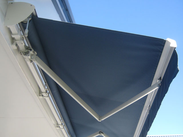Folding Arm Retractable Awning - Lake Macquarie