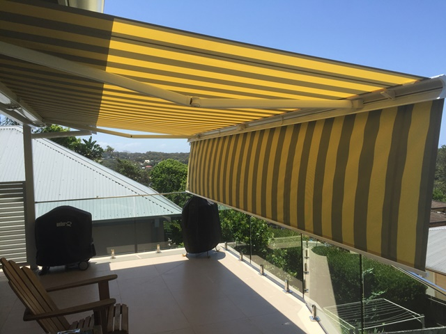 Markilux 5010 Folding Arm Awning installed at Wamberal by East Coast Shade Design