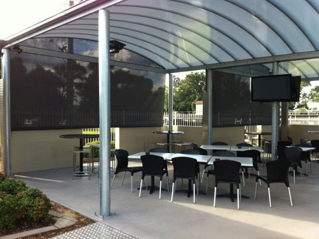 Commercial Outdoor Blinds - straight drop Hunter River Hotel installed by East Coast Shade Design