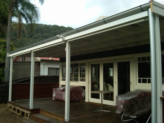 Straight Drop Blind installed at Patonga - East Coast Shade Design