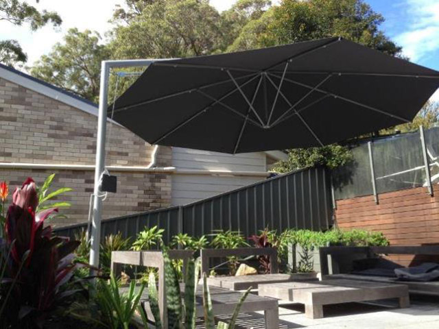 Ultrashade Umbrella installed by East Coast Shade Design